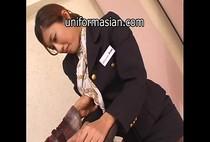 สาวสวยแอร์โฮตเตสโดนลูกค้าลวนลามจับเย็ดบนเครื่องบิน รวบรัดขนาดนี้ก็ต้องยอมแล้วล่ะ xxxญี่ปุ่น