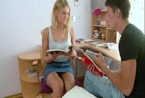 โป๊ฝรั่งHD สอนเพื่อนสาวให้รู้จักคำว่าเสียวนัดกันมาติวการบ้าน2ต่อ2เรื่องอะไรจะปล่อยให้พลาด